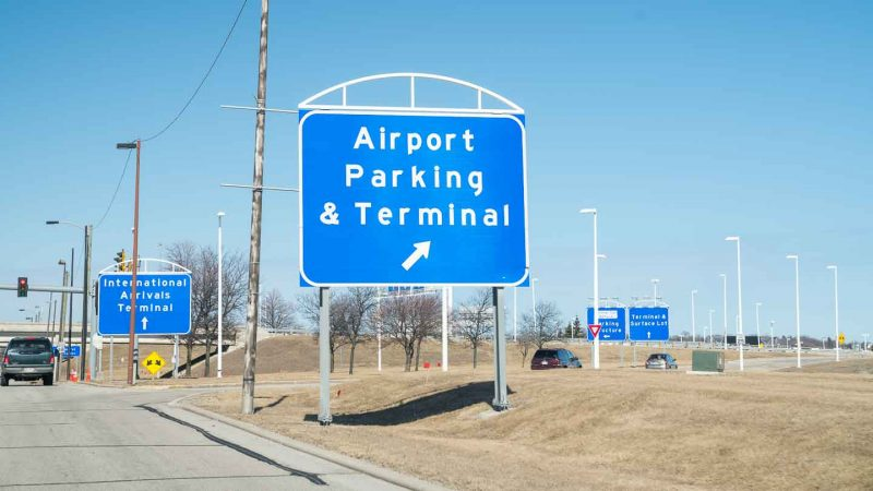 Sign for main terminal parking lot - closest Milwaukee airport parking - MKE