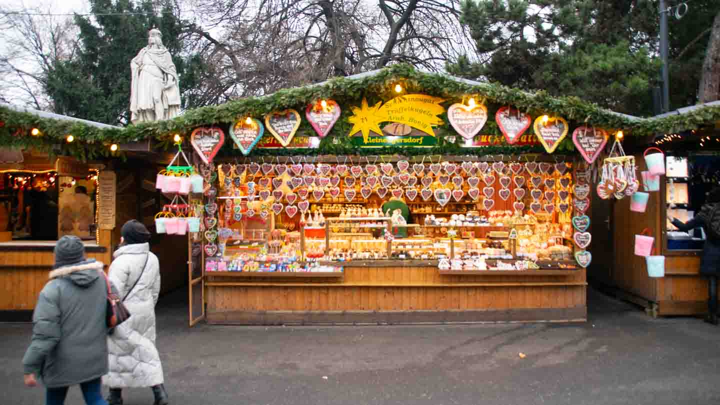 Everything You Need To Know BEFORE Visiting Christkindlmarket Milwaukee